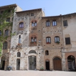 """San   Gimignano • <a style=""""font-size:0.8em;"""" href=""""http://www.flickr.com/photos/92853686@N04/41864803590/"""" target=""""_blank"""">View on Flickr</a>"""