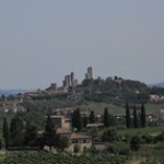 """in vista di S.Gimignano • <a style=""""font-size:0.8em;"""" href=""""http://www.flickr.com/photos/92853686@N04/29802197548/"""" target=""""_blank"""">View on Flickr</a>"""