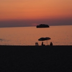 """tramonto spiaggia di Brolo  (ME) • <a style=""""font-size:0.8em;"""" href=""""http://www.flickr.com/photos/126477643@N05/14718125906/"""" target=""""_blank"""">View on Flickr</a>"""