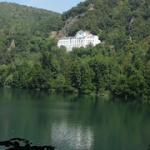 """Lago di Monticchio. Abbazia di S.Michele • <a style=""""font-size:0.8em;"""" href=""""http://www.flickr.com/photos/92853686@N04/37209056941/"""" target=""""_blank"""">View on Flickr</a>"""