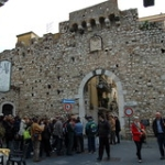 "Taormina • <a style=""font-size:0.8em;"" href=""http://www.flickr.com/photos/92853686@N04/8565874030/"" target=""_blank"">View on Flickr</a>"